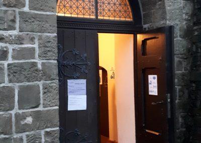 Eingang Kreuzkirche Brügge